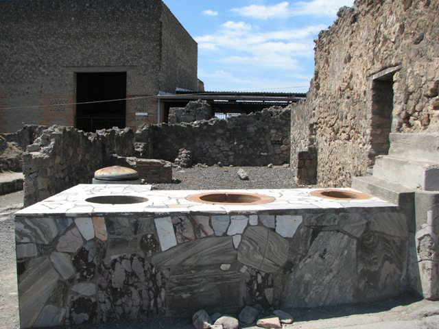 Wine bar, Pompeii 2007