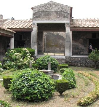 peristilio, casa degli amorini dorati, 2007